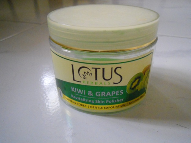 Lotus herbals Kiwi and Grapes Skin Polisher
