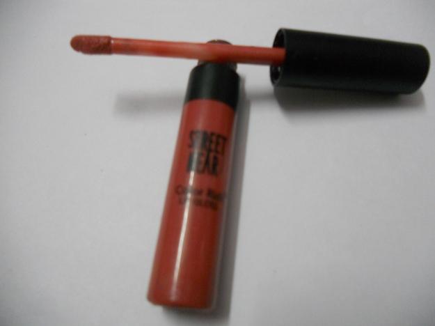 """street wear color riche lip gloss in """"Rpse Petal"""""""
