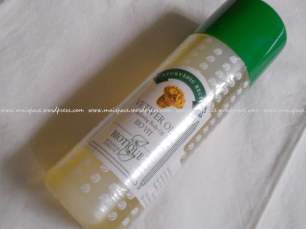 Biotique Bio Vit Vetiver massage oil